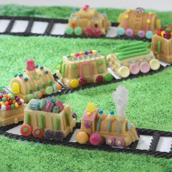 Nordic Ware Bakform Train Cake Pan - Hus-modern.se